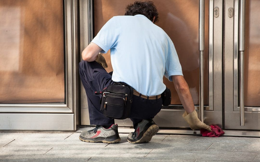 Quelques conseils pour le nettoyage de vos portes et de vos vitres